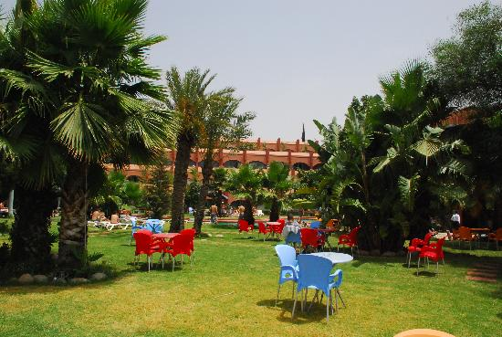 Zaki Hotel: grounds