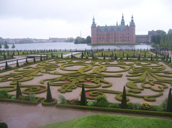 Denmark: Frederiksborg Slot, con bellos jardines