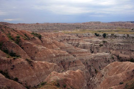 Badlands National Park, Южная Дакота: a land of many colors and shapes