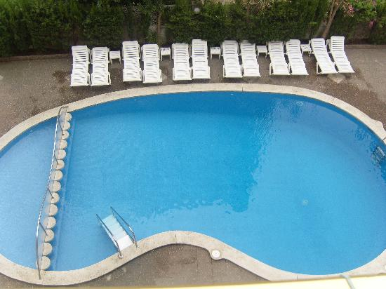 Hotel Stella Maris: pool from the balcony