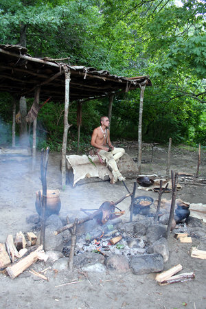 Plymouth, Массачусетс: Another Wampanoag reenactor-he was roasting a goose