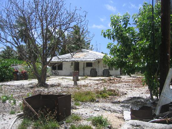 Kiribati: typical home