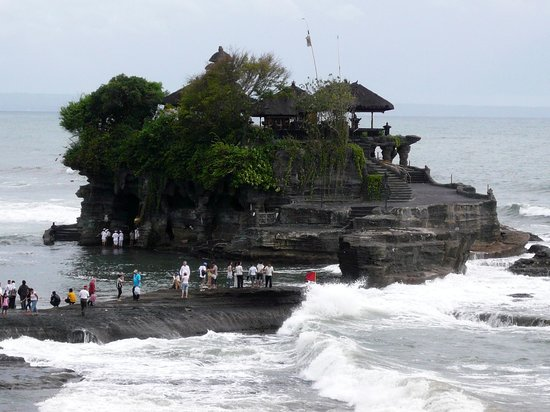 Canggu, Indonezja: From right-hand cape / 右手前の別の岬の上から