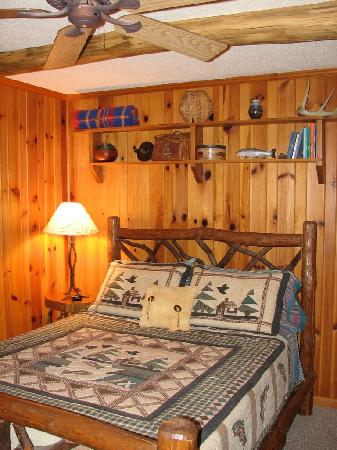 "The River Lodge Bed and Breakfast: ""Trout & Creel"" room"