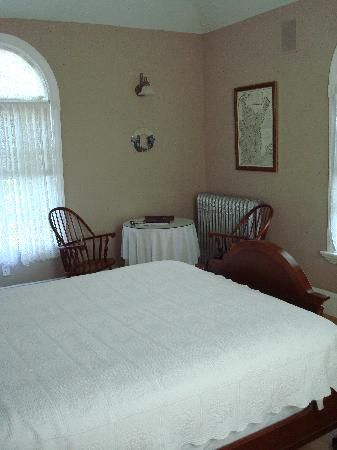 Windsome Bed and Breakfast: Autumn Room