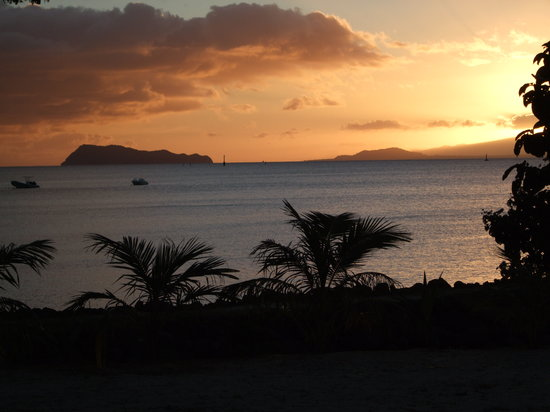 Îles Samoa : Sunset over Apalima Island