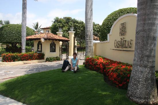 Entrance to Casa Velas