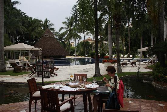 Casa Velas: Breakfast on the terrace