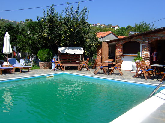 Photo of Yialis Apartments Skiathos