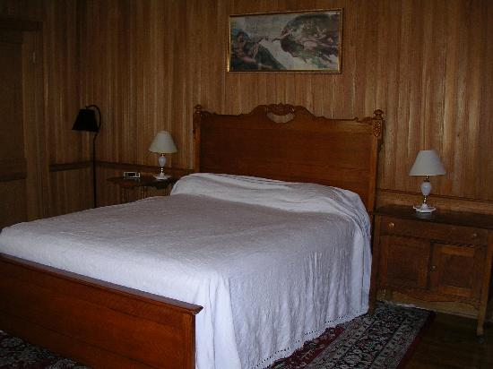 Castle on Silver Lake: Billy's room