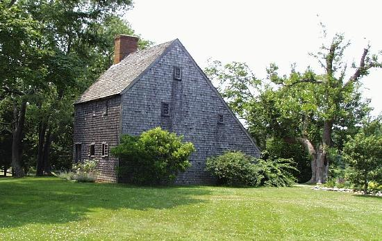 Sandwich, MA: Hoxie House is in the classic salt box style.