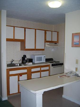 Extended Stay America - Louisville - Hurstbourne: Kitchen pic