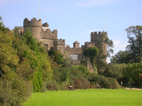 Malahide, Ireland: Lovely it is, particularly in the sunshine!