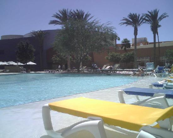 Cabazon, CA: Morongo Resort: pool view