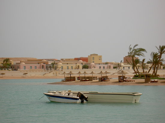 El Gouna, gypte : downtown beach area 