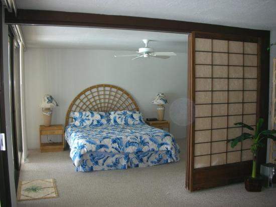 Kona Nalu: Master Bedroom