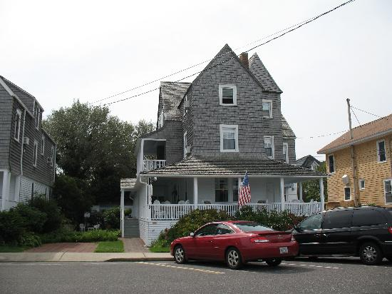 Victoria Bed And Breakfast Beach Haven Nj : A cozy porch picture of victoria guest house beach