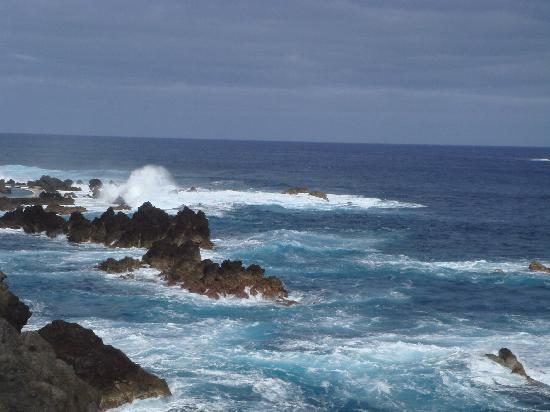 Porto Moniz, Portogallo: Quite windy but warm