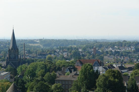 Solingen, Germania: View toward Koln