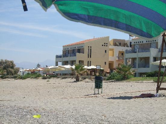 Iperion Beach Hotel: View from the beach