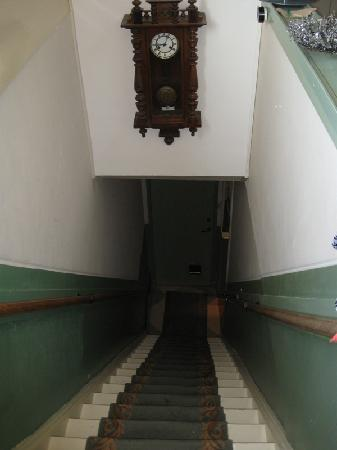 Between Art and Kitsch B&B: stairs