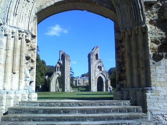 Glastonbury, UK: Inside the abbey 1