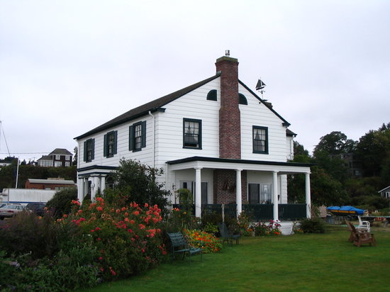 The Commander's Beach House