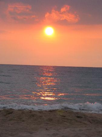 Hale Ho'ola B&B: sunsets and beaches