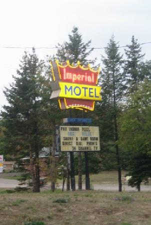 Imperial Motel: the sign you can see from the road