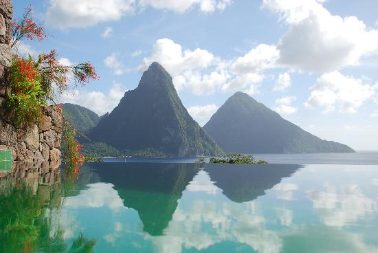 Jade Mountain Resort: Different day - same beautiful day