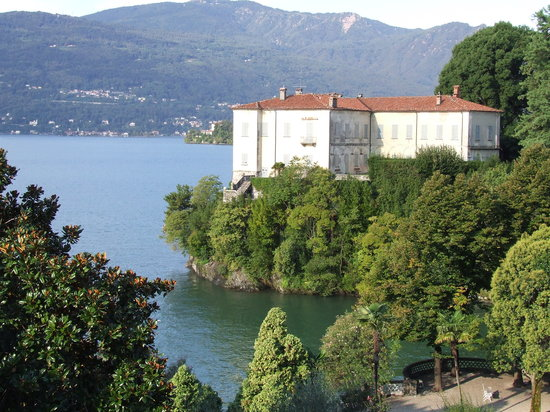 Verbania, Italie : vue de  la chambre sur le lac 