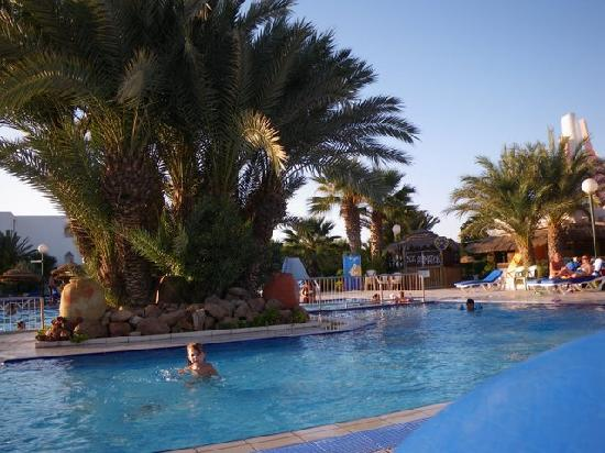 D coration des lits picture of iberostar mehari djerba djerba island tripadvisor for Decoration piscine