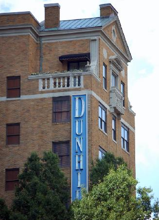 Dunhill Hotel: View of the Dunhill from Tryon Street