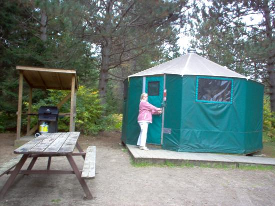 Mew Lake Campground: Outside the yurt