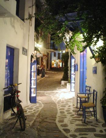 Skiathos Town, Grce : Street, Skiathos old town 