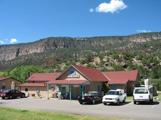 Jemez Mountain Inn: wonderful hot springs