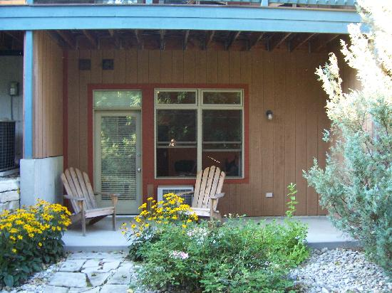 Scandinavian Lodge: Our Patio