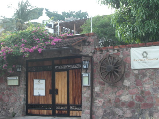 ‪‪Hacienda Alemana‬: entrance to Hacienda Alemana‬