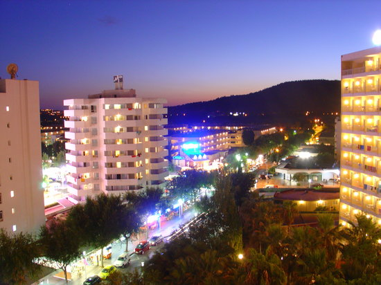Magalluf, Spain: Magaluf by night