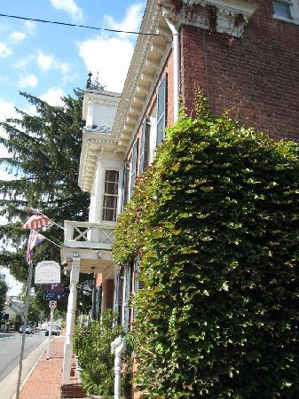 The Norris House Inn: Norris House on Loudoun Street