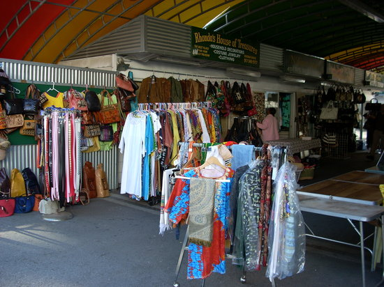 http://media-cdn.tripadvisor.com/media/photo-s/01/1b/bb/a3/an-african-market-stall.jpg