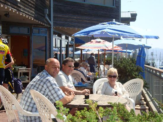 Gray's Inn and Gallery: Having a well earned drink in Morro Bay