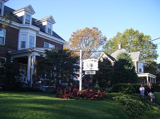 Keystone Inn Bed and Breakfast: October outside of Keystone B&B