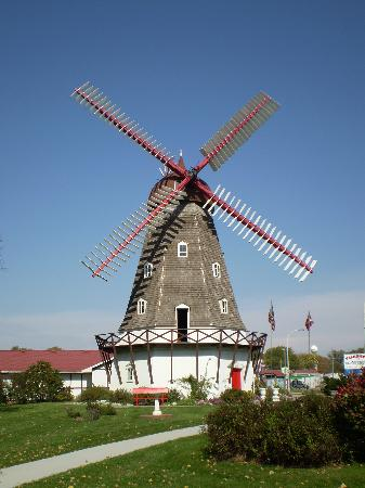 danish-windmill-in-elk.jpg