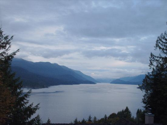 Sechelt Inlet B&B: View from our balcony
