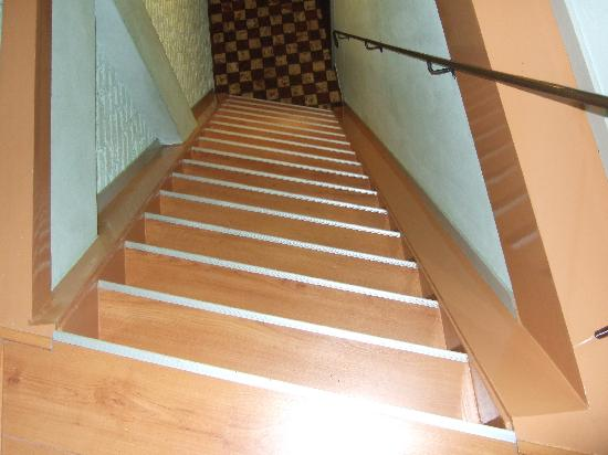 Hotel Internationaal: Steep stairs!