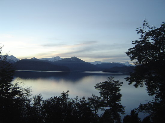 Villa La Angostura, Argentina: Bedrooms view in the afternoon