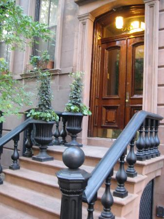 Apartment Building Entrance stunning brick apartment building entrance pictures - best image