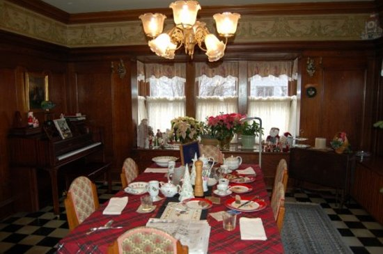 Longwell Hall B&B: Dining room at Longwell Hall