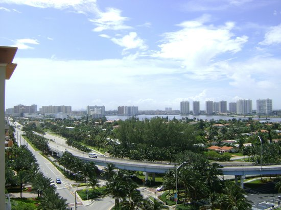 North Miami Beach, Floride : daytime view from 1033 